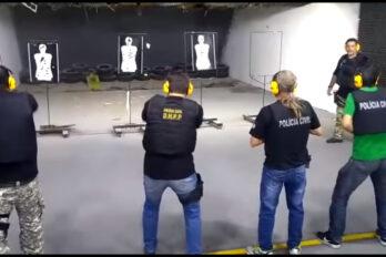 Hardcorowy instruktor strzelania w Brazylijskiej policji. Wideo.
