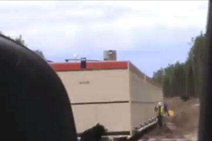 Wkrętka na budowie, koleś mało nie zszedł na zawał. Wideo.