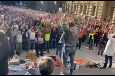 Masowe przebudzenie i protesty we Włoszech. 15.10.2021