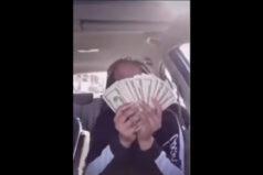 Idiotka roku chwali się pieniędzmi na parkingu gdy nagle…